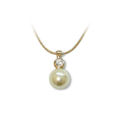 Faux Pearl & Crystal Magnetic Pendant